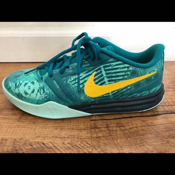 huge discount ed7bc bee69 Kids Nike Kobe Shoes. M 5ac582782ae12fbfbbdcc1f3